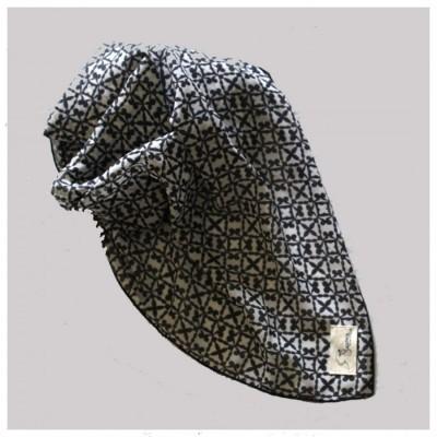 fathima-pattern-in-victorian-mono
